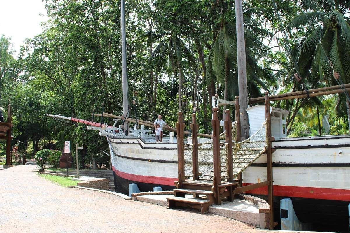 les bateaux de marchands à visiter