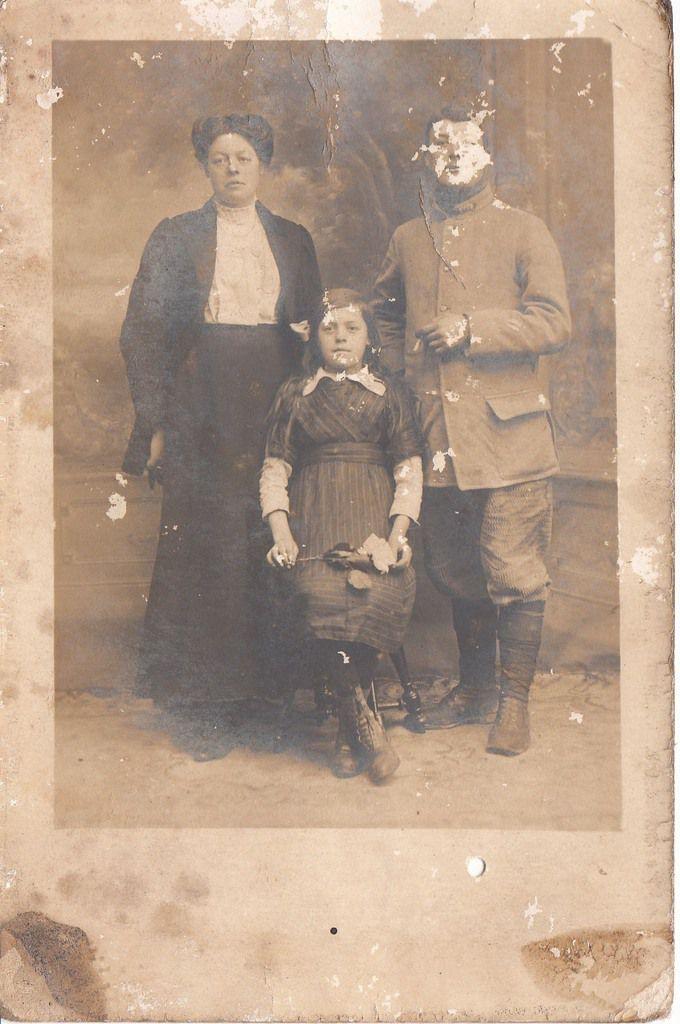 MAILLET Eugénie : Carte Postale (1915) à Montbrehain (02)