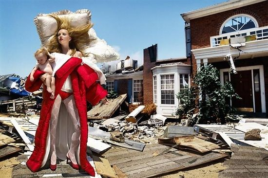 (David Lachapelle, The house of the end of the world, 2005)