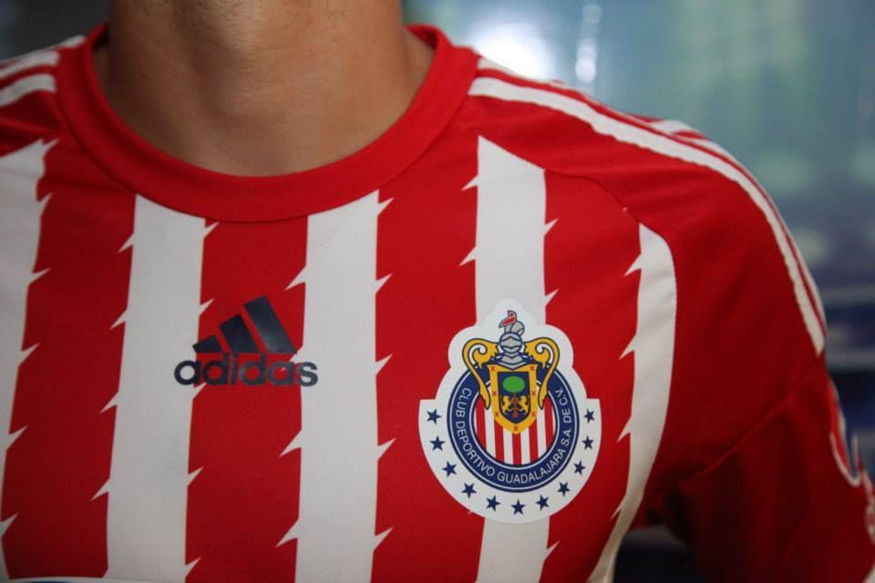 Chivas de Guadalajara nouveaux maillots 2015 2016