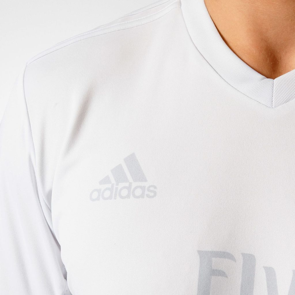 BAYERN MUNICH ET REAL MADRID : MAILLOTS PARLEY