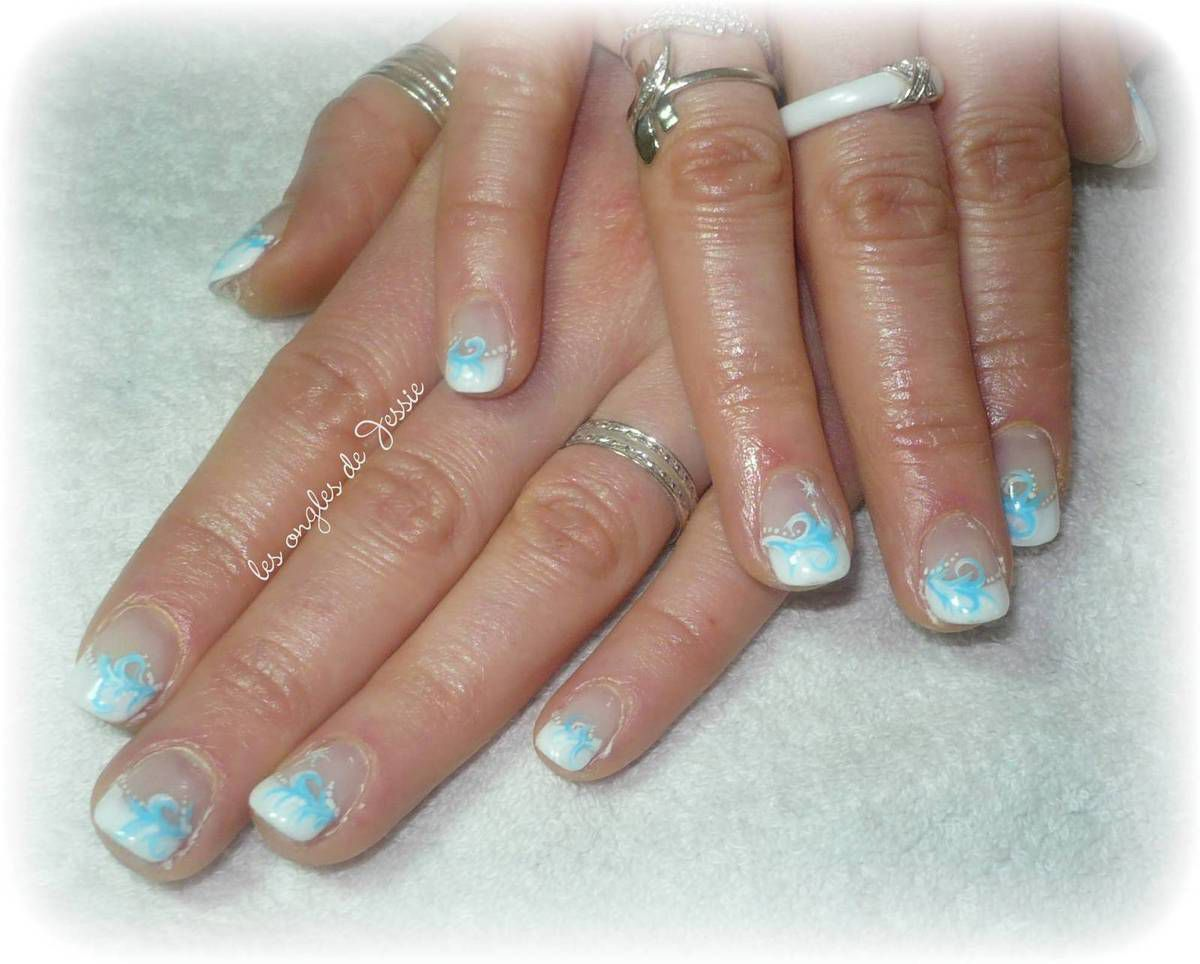 French blanche.Nail-Art féérique