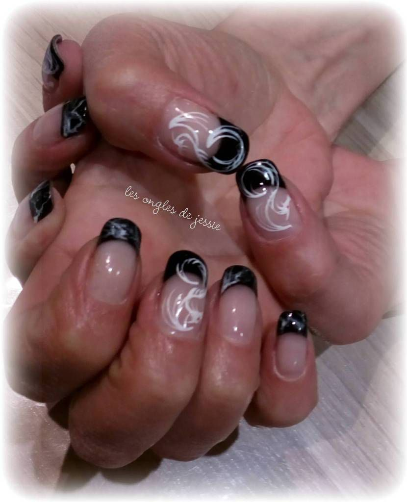 nailart dragons abstraits sur french noire