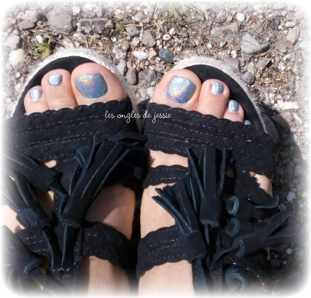 pieds en vernis holo