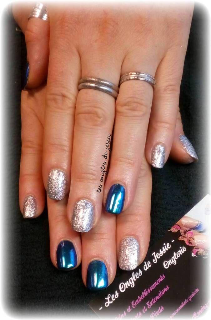 ongles bleu miroir et