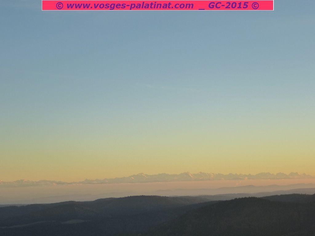 L'ensemble des Alpes suisses, contemplé depuis l'observatoire de la Herzogenhorn : fabuleux !