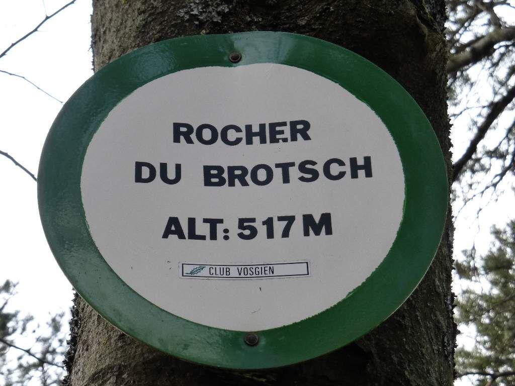 Bonne nouvelle : le site du Brotschberg est situé sur le tracé d'un sentier du Club Vosgien.