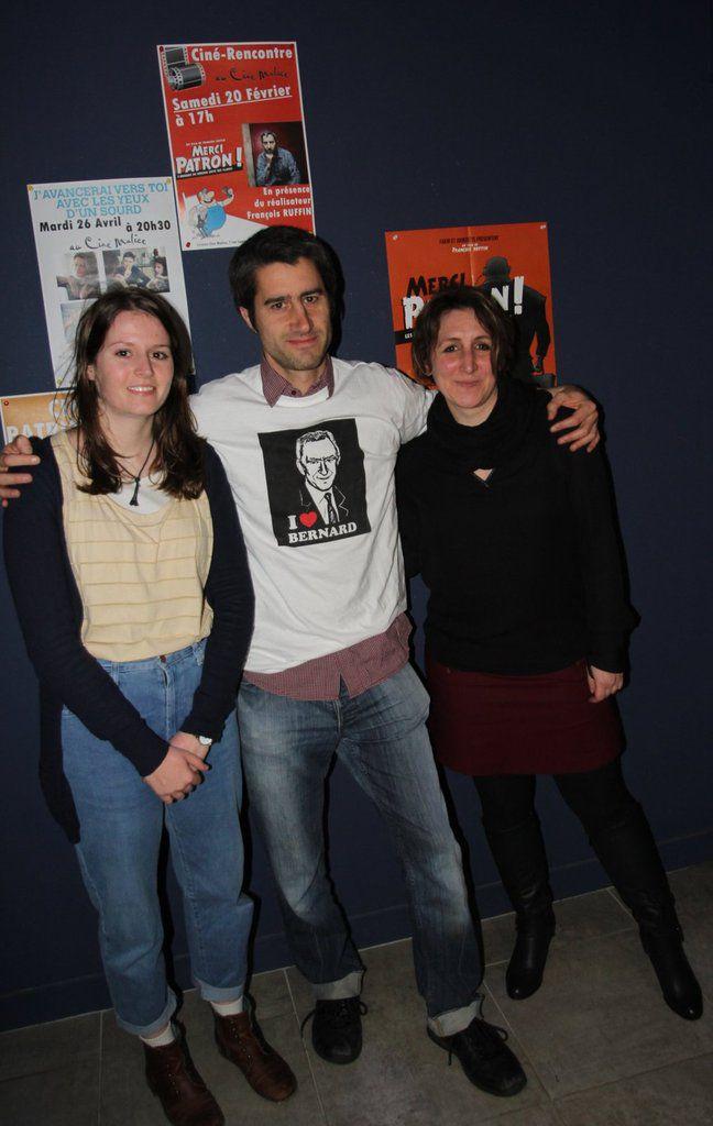 françois Ruffin en très bonne compagnie, Marion et Céline les responsables du CinéMalice...