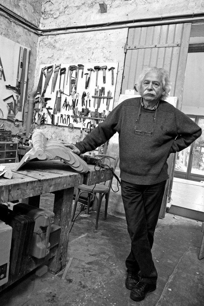 Jack Vanarsky (1936-2009) dans son atelier de Vitry le 16 octobre 2007