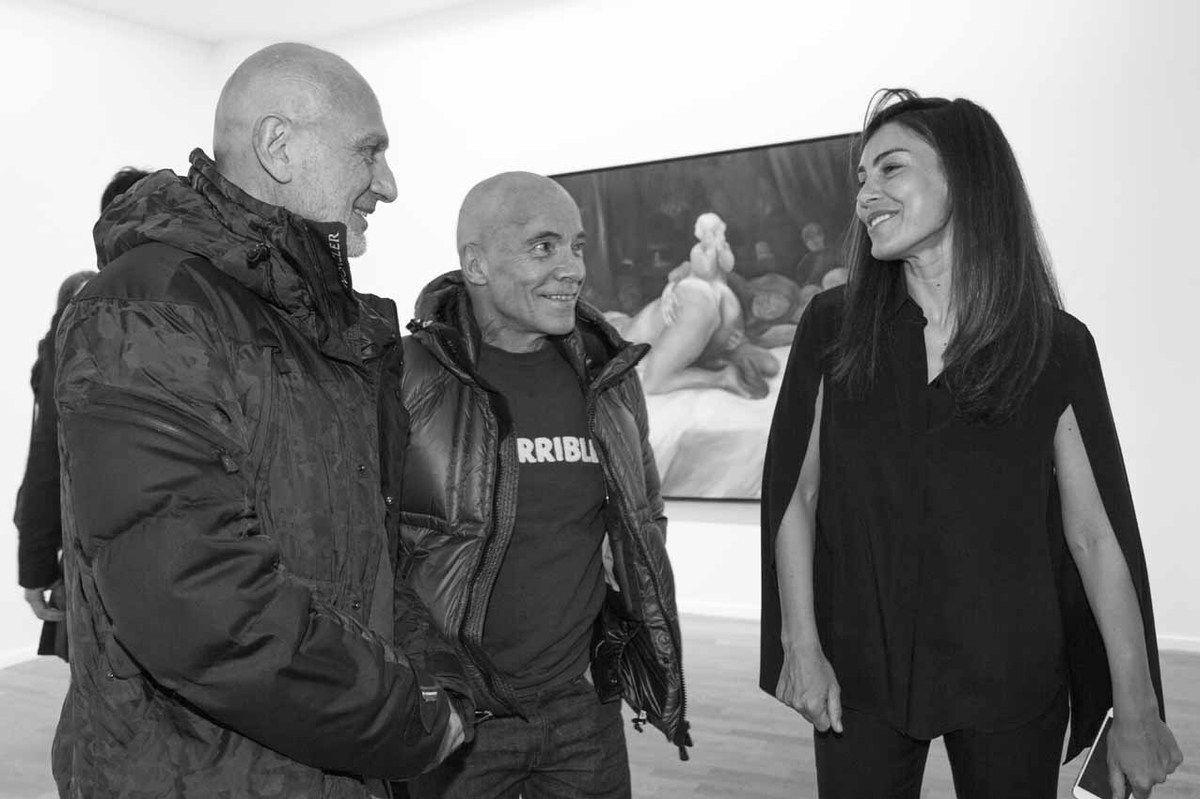Pierre et Gilles (Gilles Blanchard, Pierre Commoy), Oda Jaune. Vernissage de l'exposition Oda Jaune. Galerie Daniel Templon. Paris le 9 janvier 2016