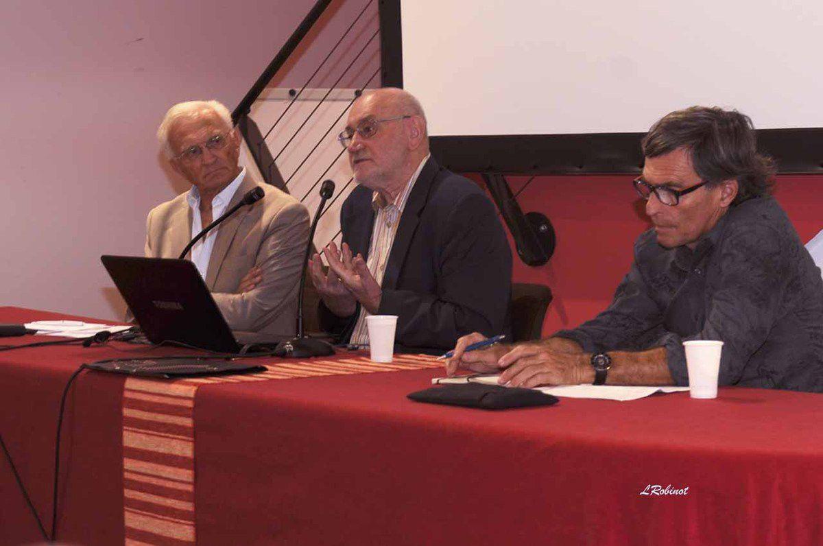 E.Kouchkine, entre Claude Belmas (Rivage des Arts) et J.P. Bonnel (à droite)- Palais des Congrès, 21 octobre 201, photo de L.Robinot.