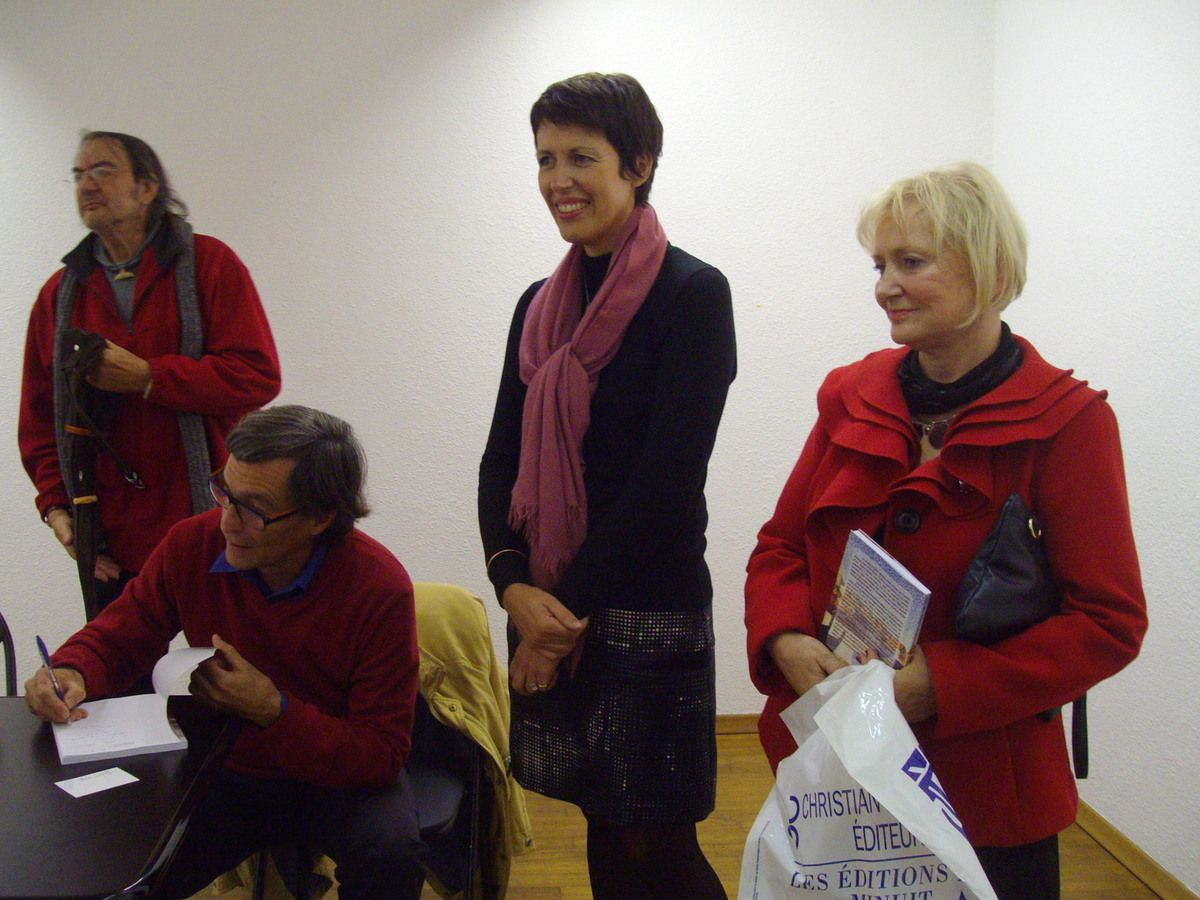 Clotilde RIPOULL (en noir) à la librairie Torcatis, nov.2014