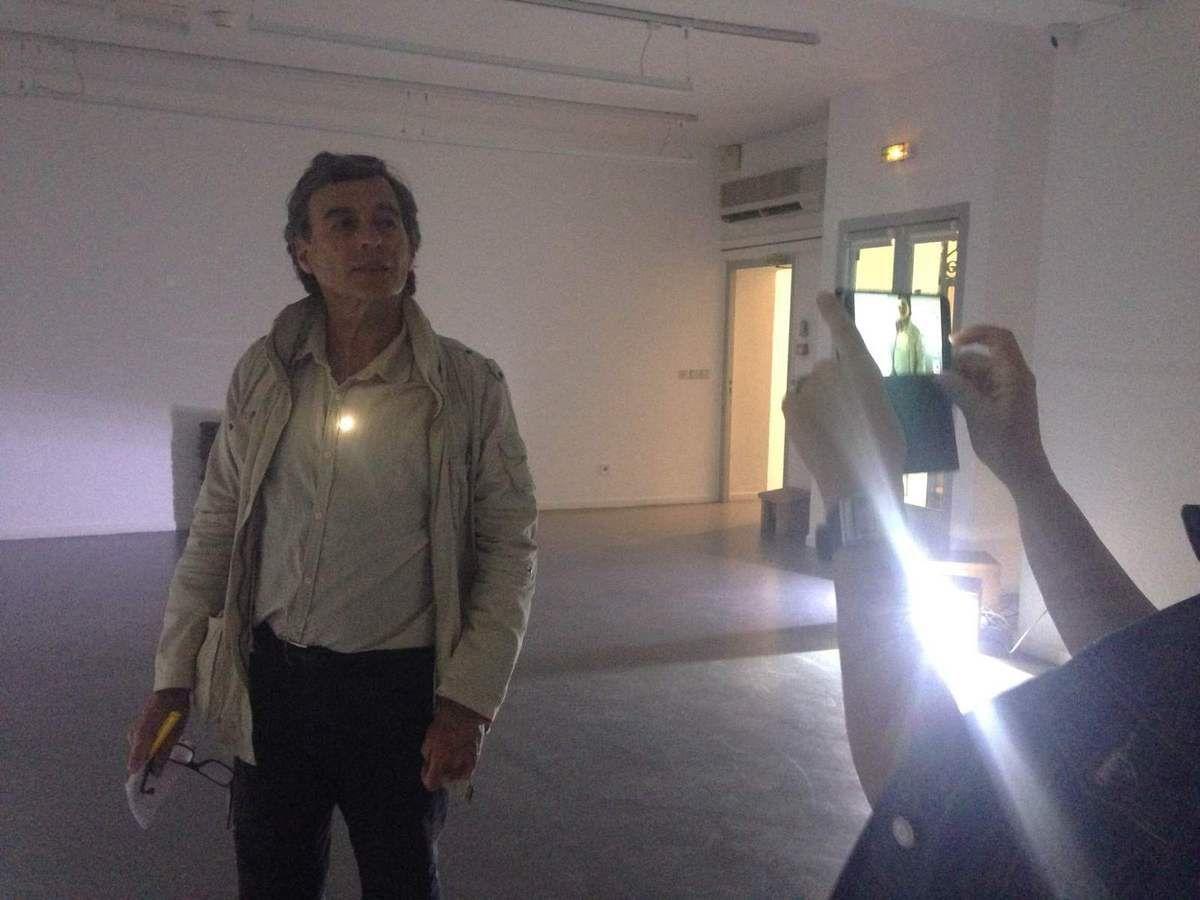 Carme Miquel - Le soleil à travers le judas (J.P.Bonnel) - Expo du musée de Collioure - Rue Cortot, par Gérard Jacquet
