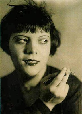 """Berlin girl"", 1920, photo de S.Stone - Jacques Quéralt"