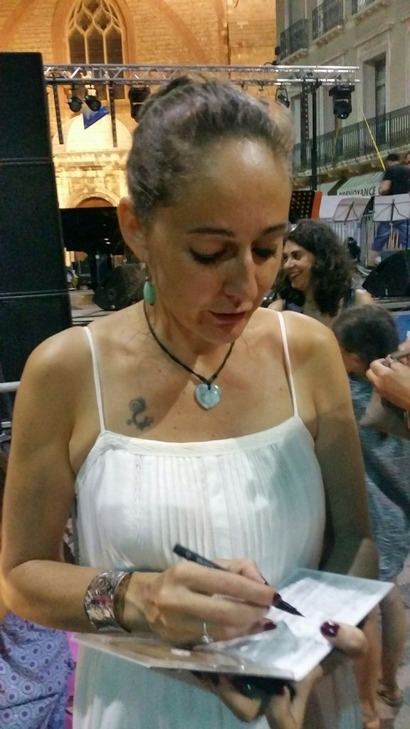 Muriel Perpigna à Gambetta (C) JPBonnel - CASALS - Joueur de triangle - CALI (encore !!)