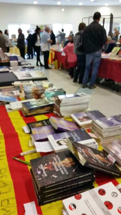 200 personnes pour mes 2 derniers livres :romans pour des temps catastrophiques -communautés libertaires  (trabucaire éditeur )