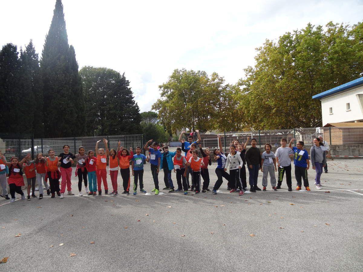 Souvenirs d'un bel après midi: CROSS, ateliers flashmob, concours de dessins, slakline. BRAVO aux enfants du CLUB USEP pour l'organisation de la rencontre, aux parents qui ont aidé à l'organisation: goûter et à l'encadrement. Merci aux mamans du CLUB USEP adultes et BRAVO à tous les coureurs et à nos CHAMPIONS!!!