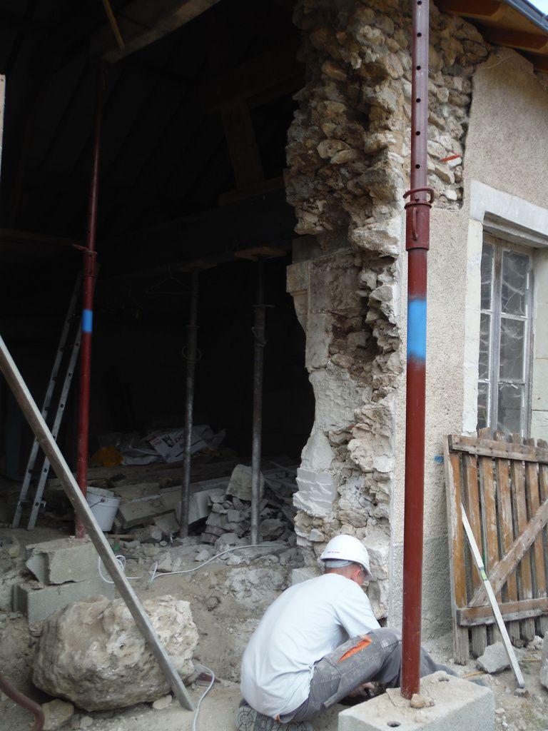 préparation des coffrages de piliers des baies vitrées!