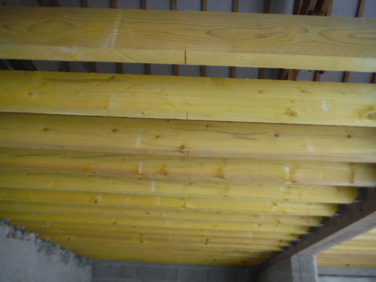 On continu le plafond et on réalise le linçoir de la cheminée!