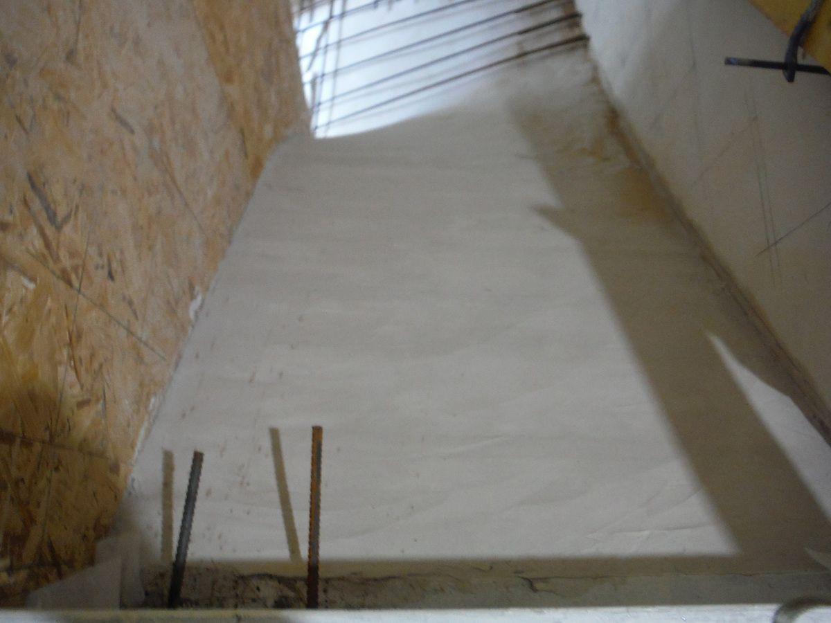 Coffrage des marches de l'escalier!