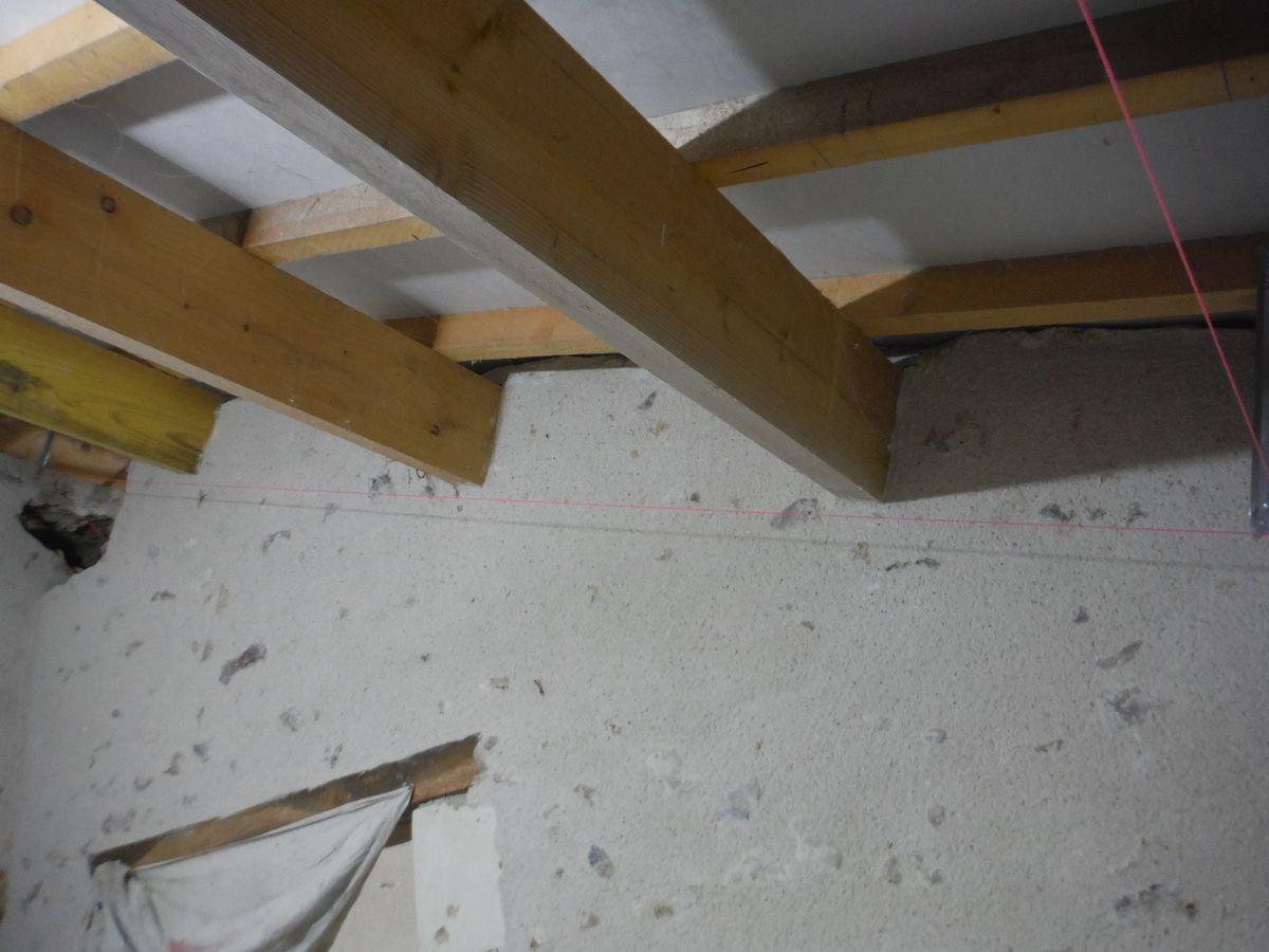 Mettre des suspentes pour un plafond en rampant!