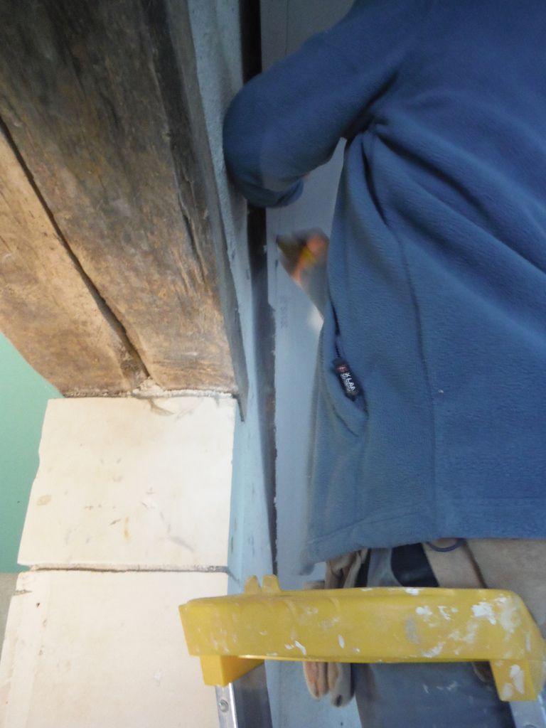 Passage des gaines et pose des premières plaques de placo!