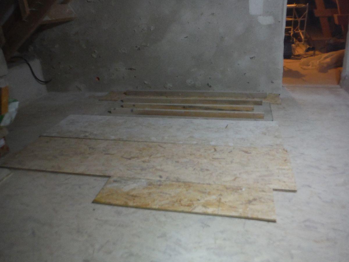 Derniers travaux de gros oeuvre pour le rez de chaussée! partie 3: enduit du mur de pignon!