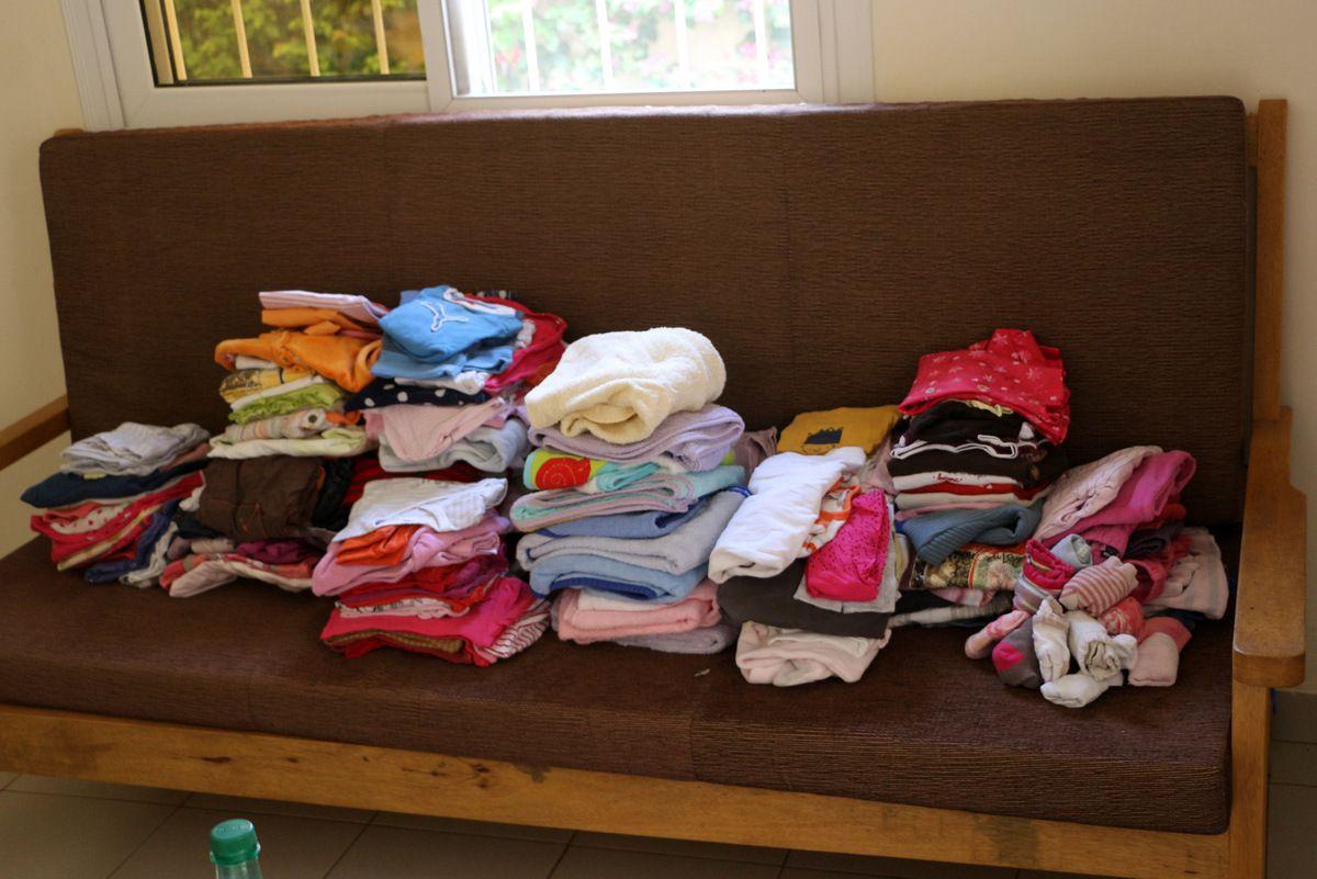 Les vêtements laissés sur place par Patrick et Sophie.