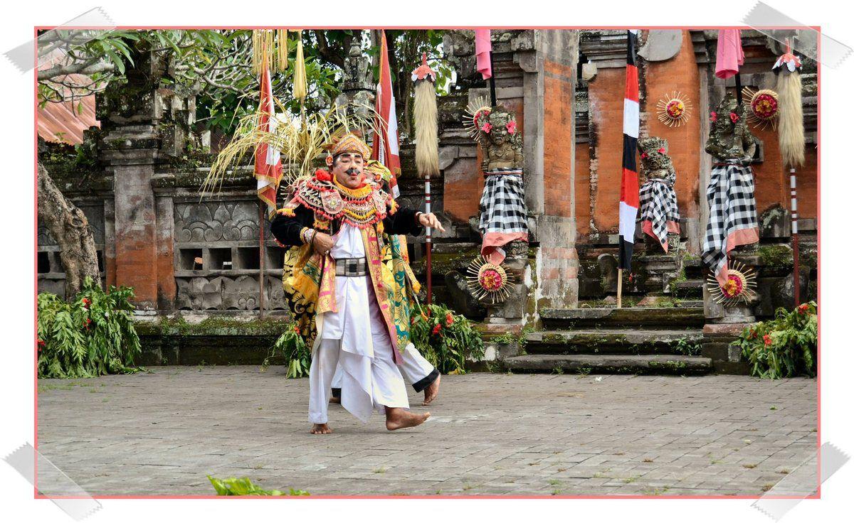 Danse du barong à Bali ...