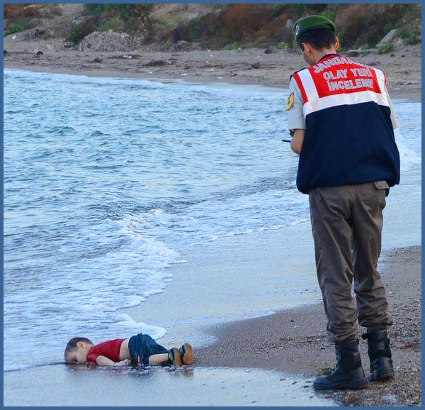 IMAGE CHOC : La photo d'un enfant mort sur une plage turque !