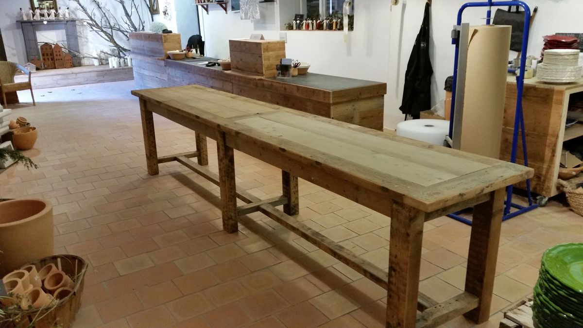 Atelier d 39 b nisterie le gardian du pass for Table exterieur sur mesure