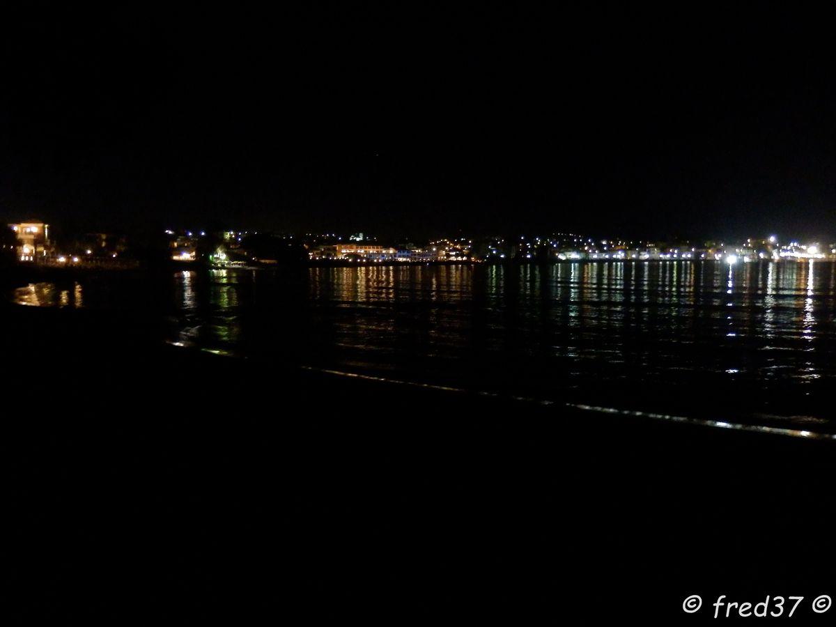 plage de nuit à Chania