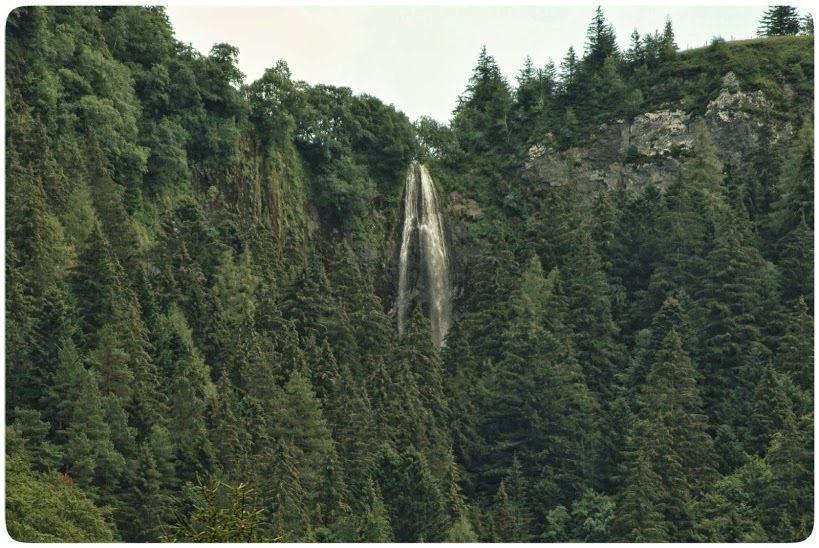la grande cascade  -  cascade de Gomot