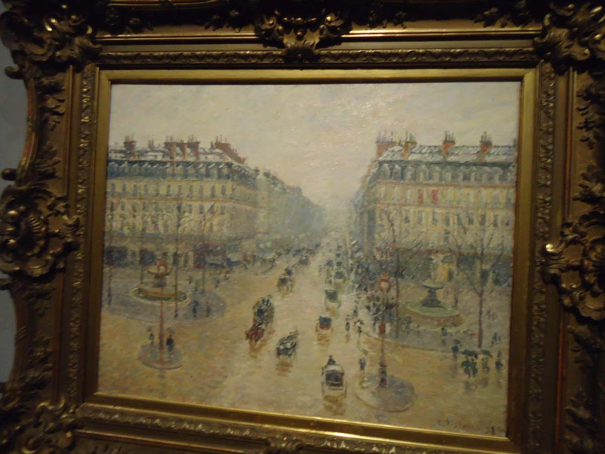 """PISSARRO """"Place du Théâtre Français"""" 1898 (Ermitage) et """"Avenue de l'Opéra (effet de neige)"""" 1898 (Pouchkine)"""