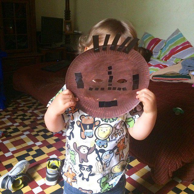 Le masque fait par Jajaja a l'école réquisitionné par le Mistouflon