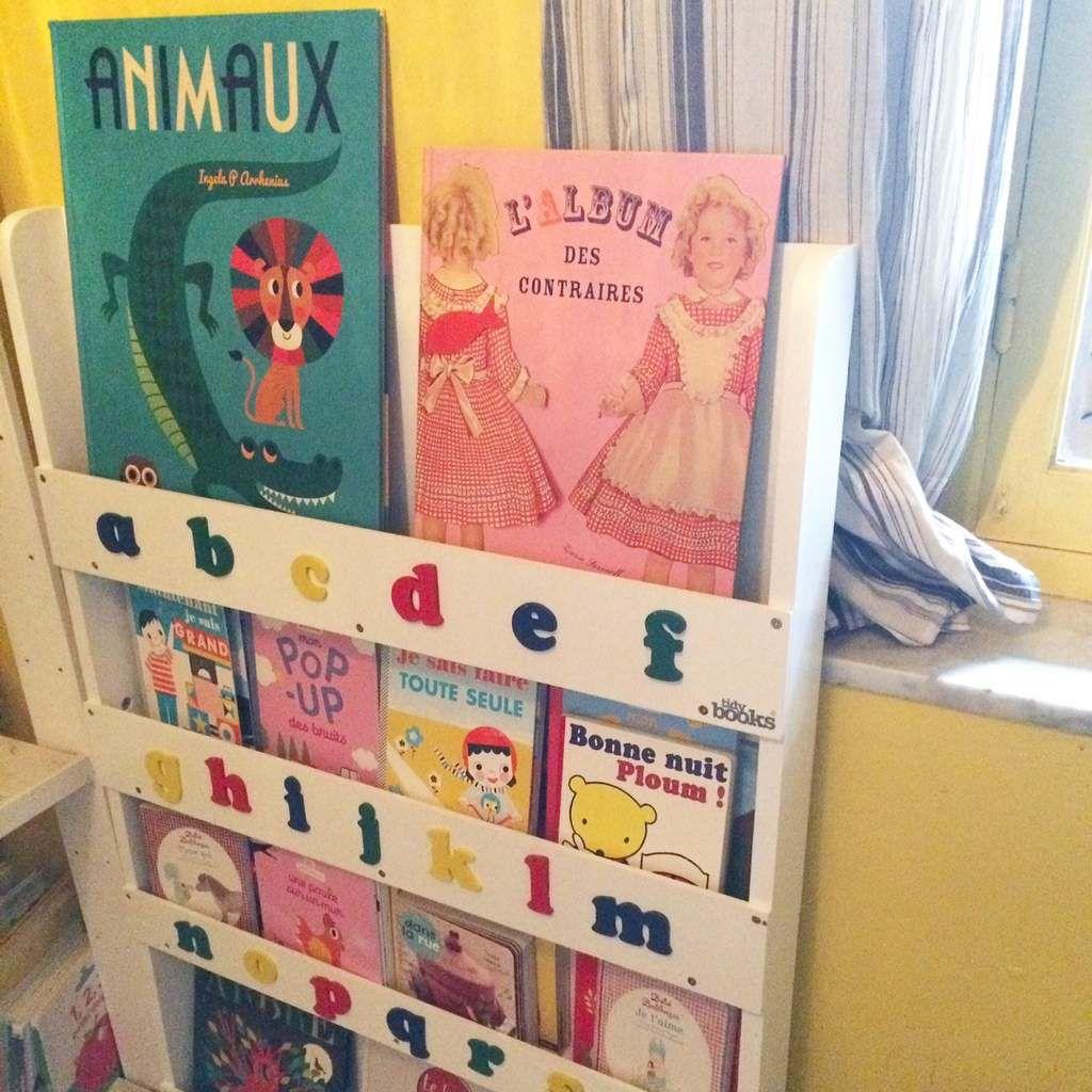 Et si a Noel on n'offrait pas que des jouets, les livres c'est bien aussi, et dans une belle bibliotheque c'est encore mieux !