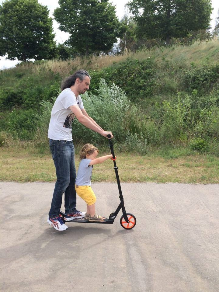 We are family en trottinette familiale Funbee (test et avis)