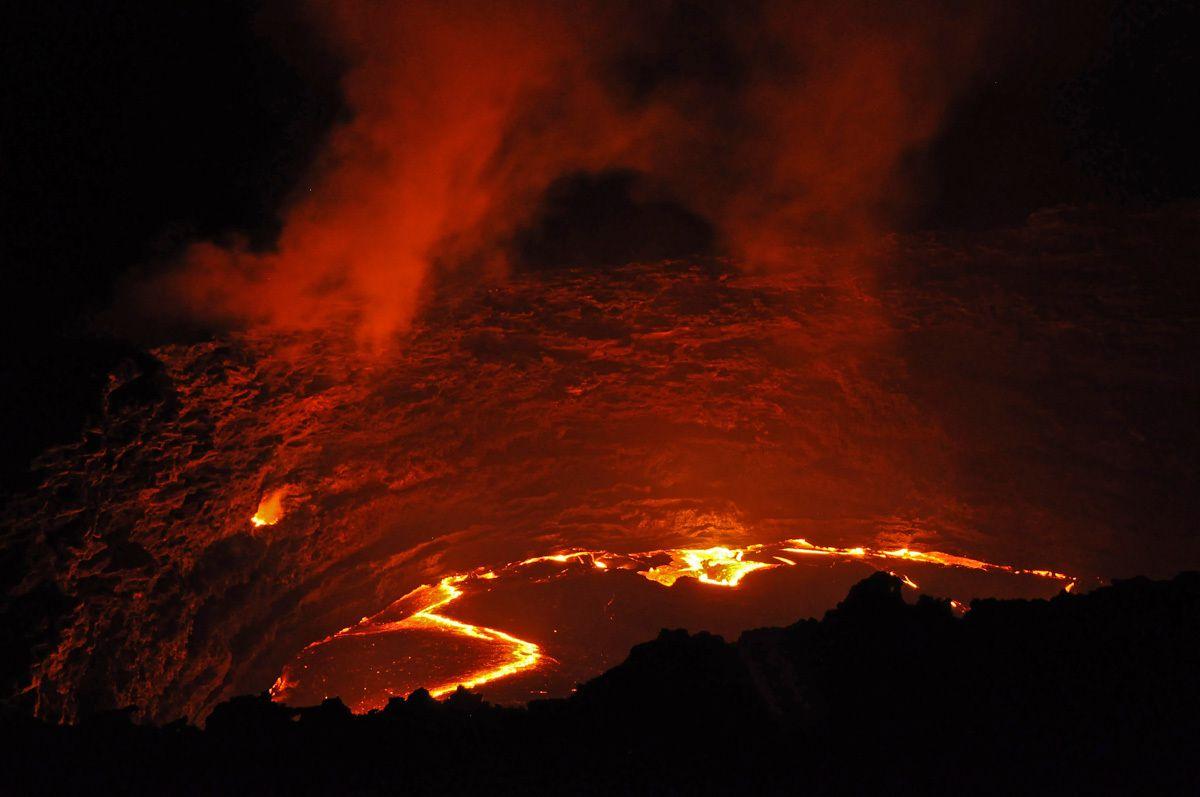 ERTA ALE, l'un des trois lacs de lave de la planete