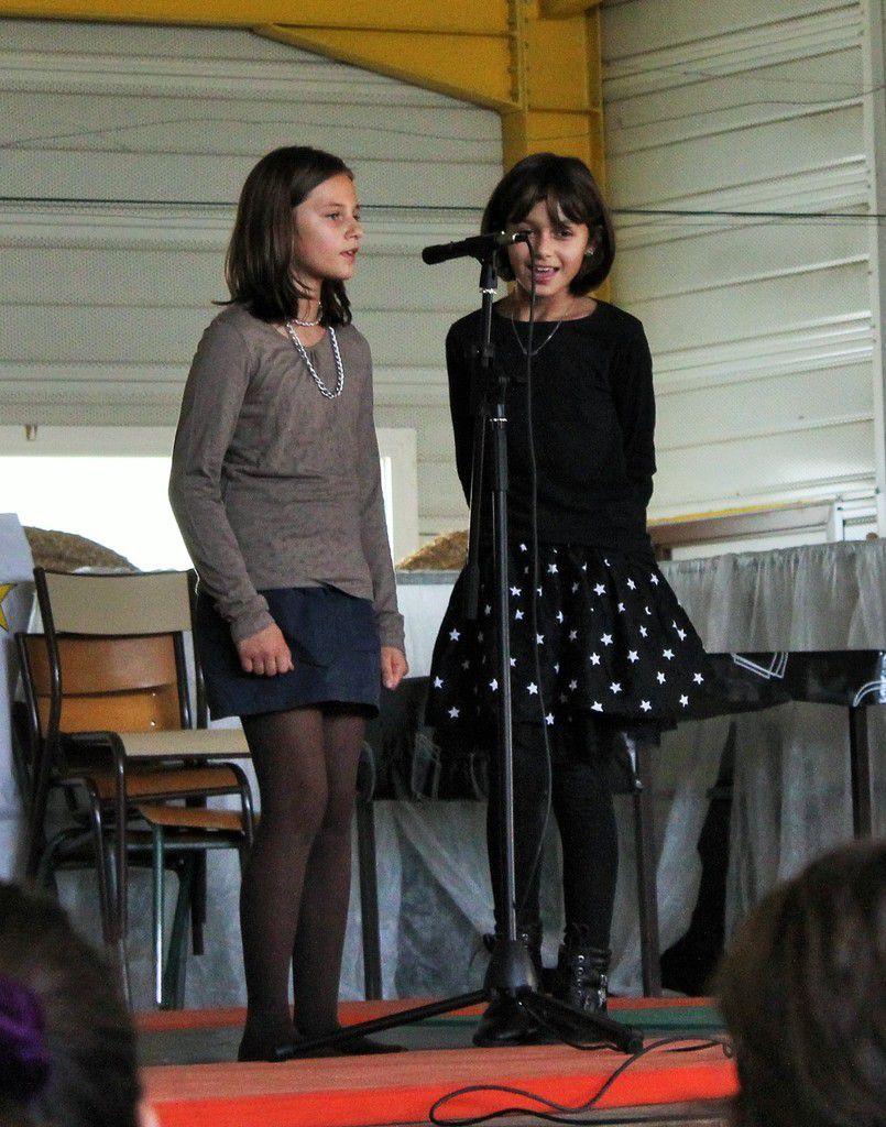 Chant : Eugénie et Clara
