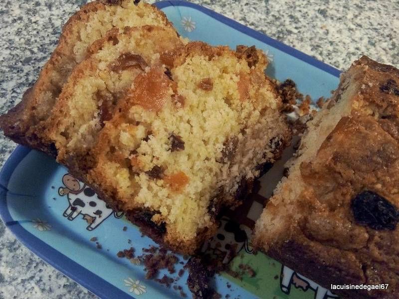 Cake aux fruits confits et au levain