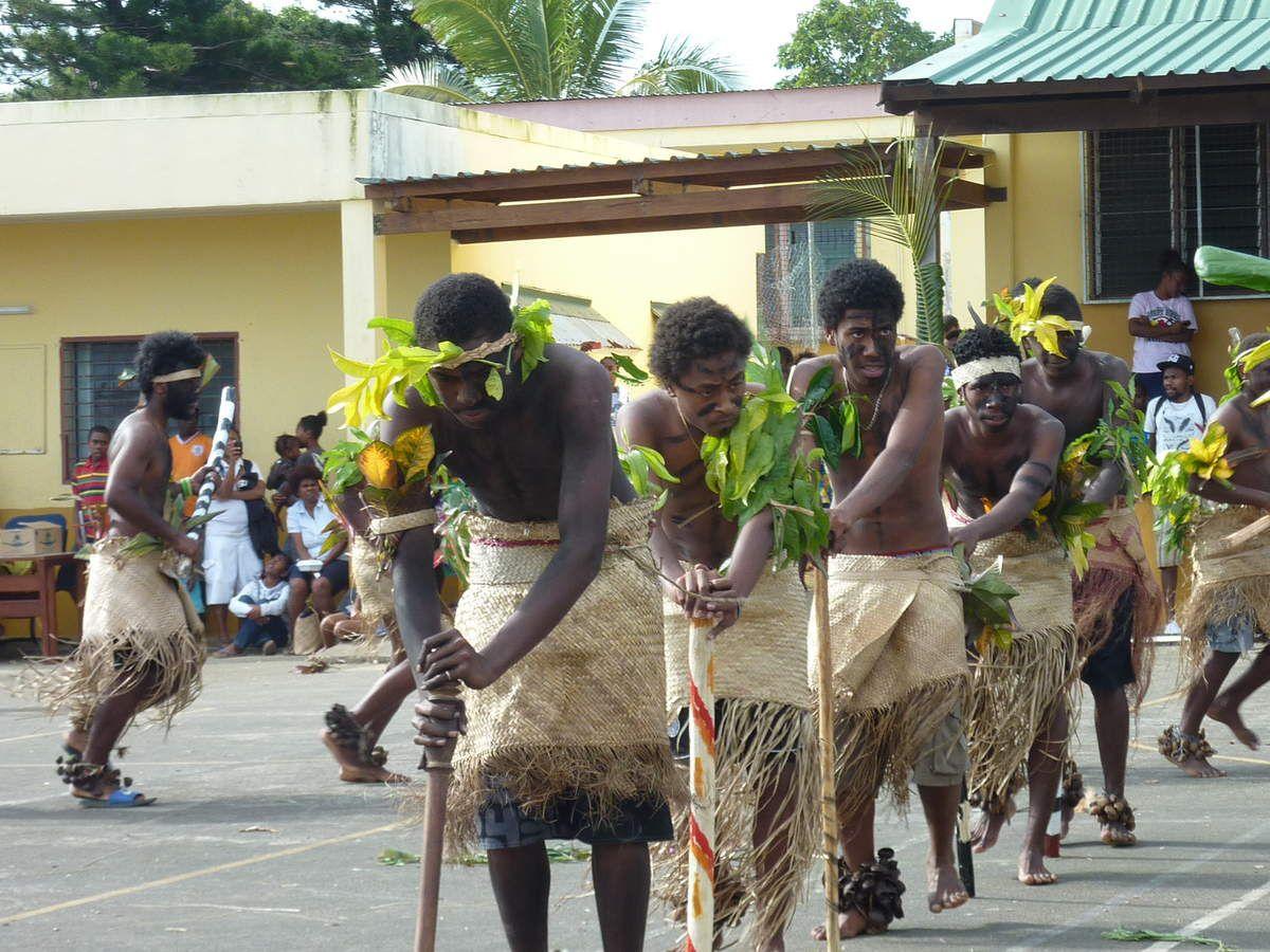 Fête locale, les danses représentent les traditions ancestrales