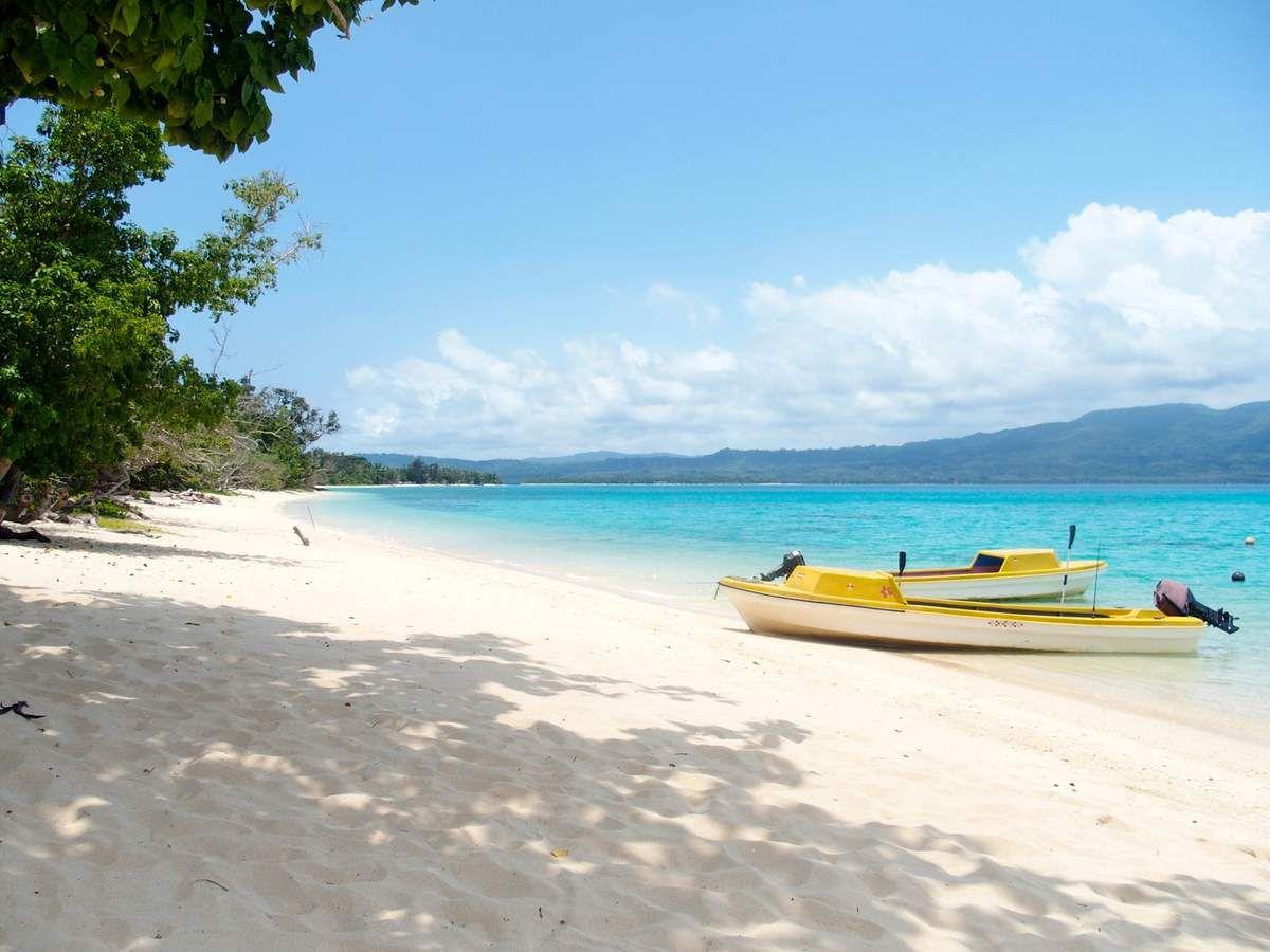 Ile de Pelé et sa merveilleuse plage de sable blanc, notre bungalow....là aussi on a été très bien reçu et accueilli