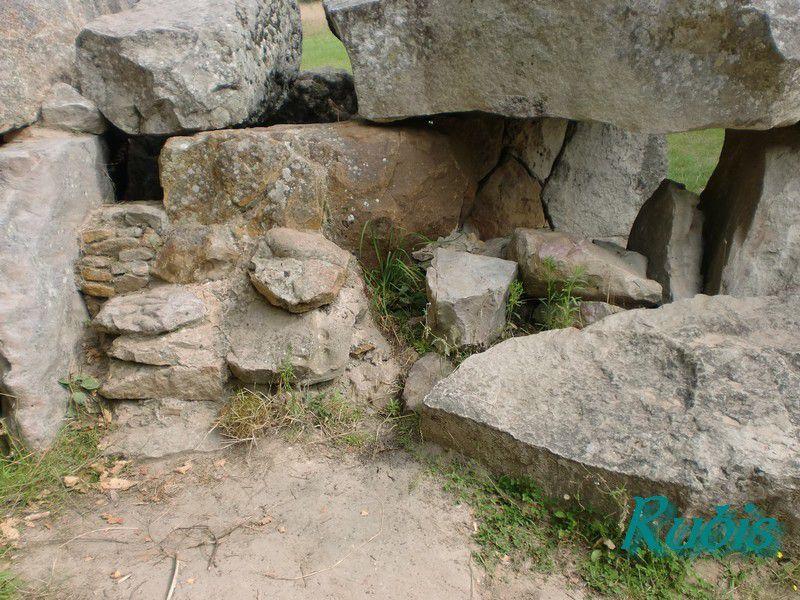 Dolmen de la Bajoulière, Saint Rémy la Varenne