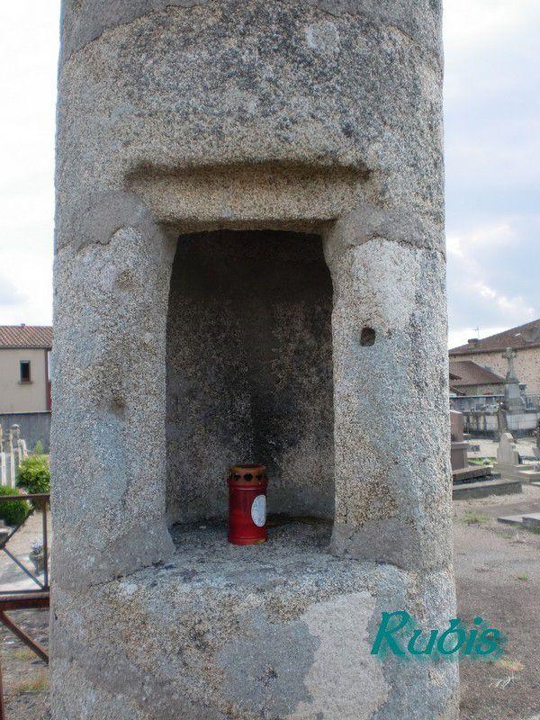 Lanternes des morts en Charente (16)