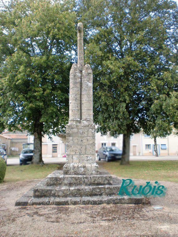 Croix hosannières des Deux-Sèvres (79)