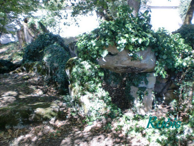 Allée couverte de Roquefort, Lugasson