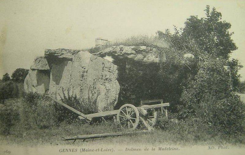 Dolmen de la Pierre Couverte de la Madeleine, Gennes