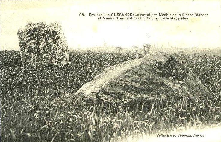 Menhir de Kerbourg ou de la Pierre Blanche ou de la Madeleine, Saint Lyphard