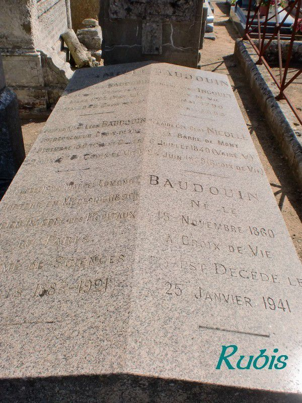 Tombe du docteur Marcel Baudouin