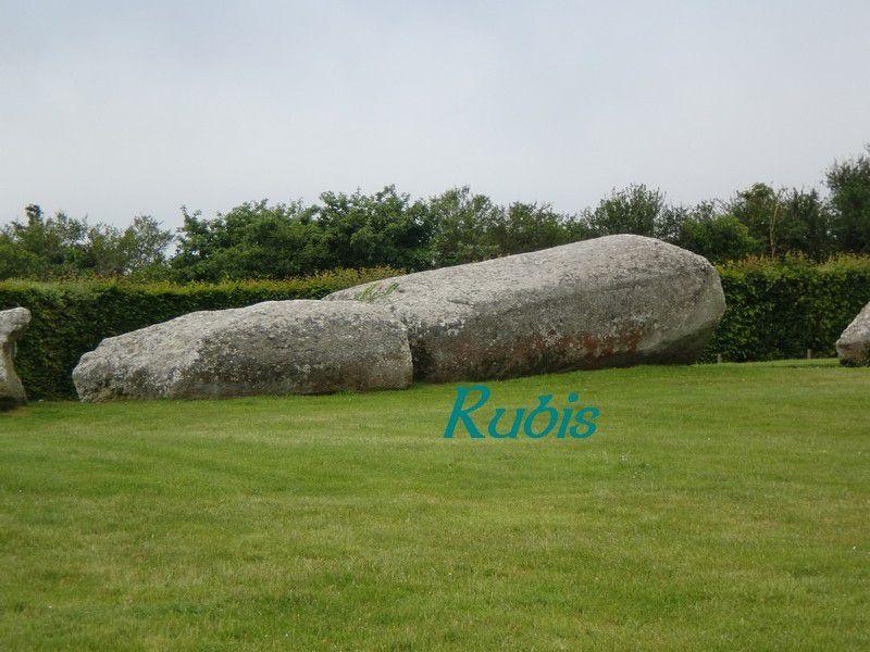 Menhir de Men-her-Kroeck ou Pierre des Fées ou de Er-Grah ou Men-er-Groach ou Grand menhir brisé, Locmariaquer
